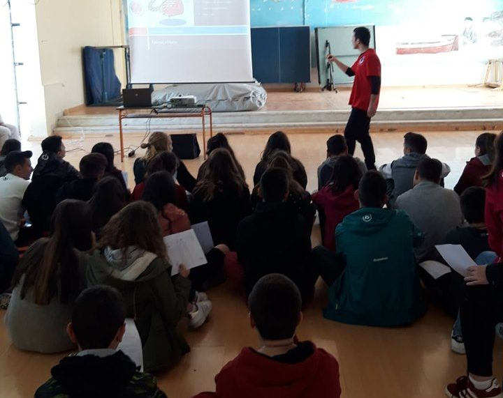 First aid training for local lesvos school students at Papados