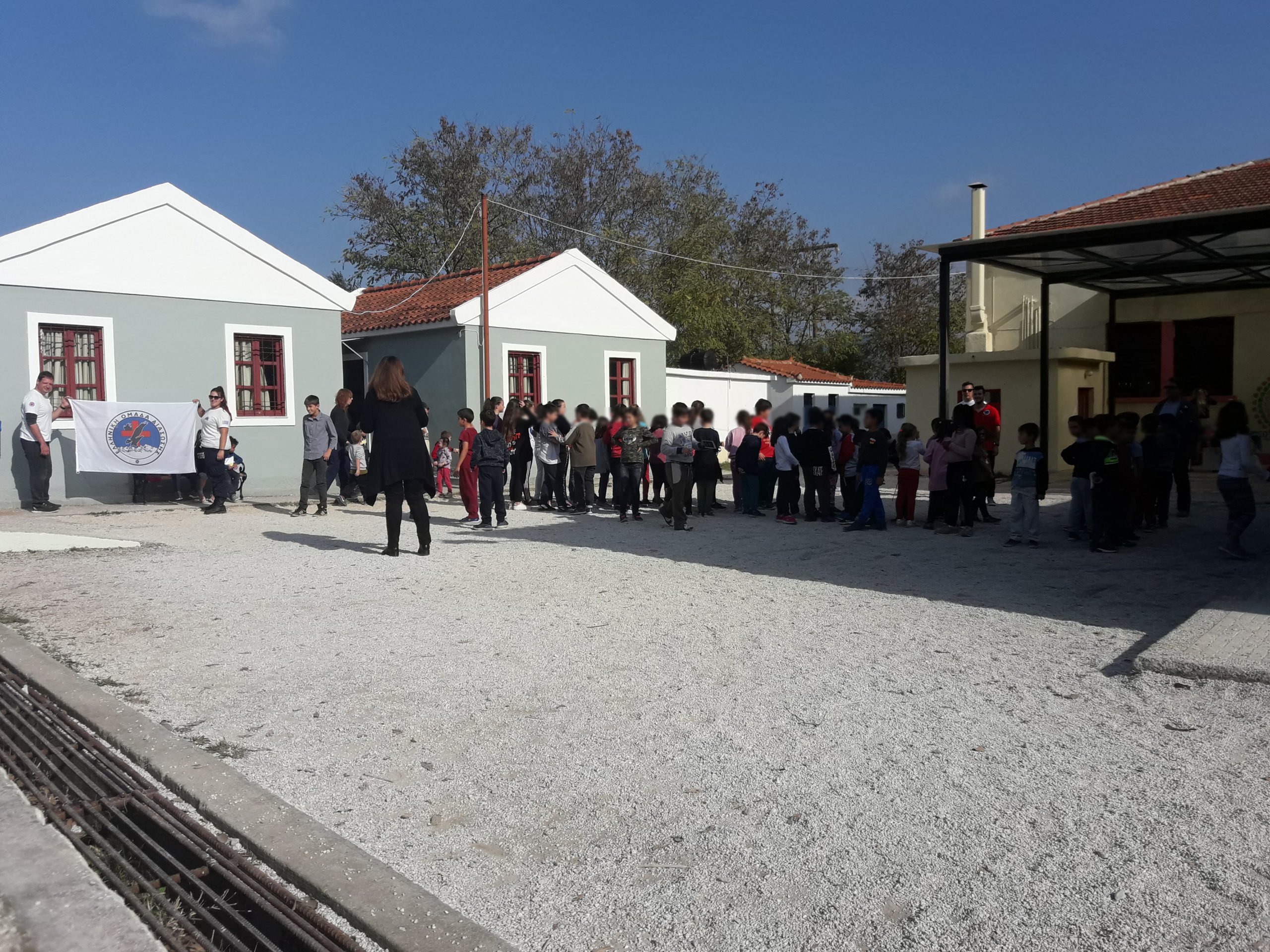 First aid training for elementary school students at Ippeios